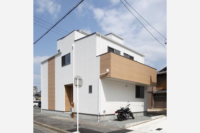 ルーフバルコニーがある家 昭和区T様邸