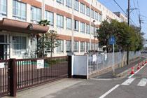 表山小学校
